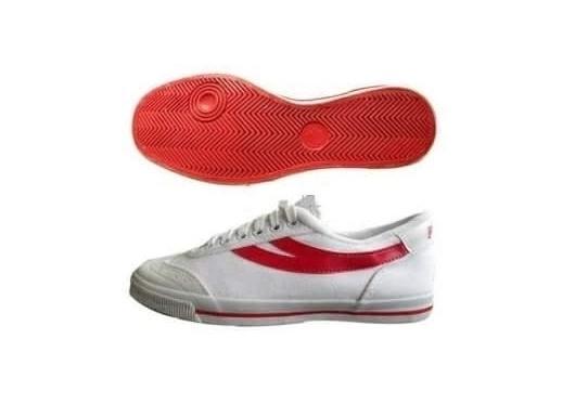 Giày bóng bàn chỉ đỏ